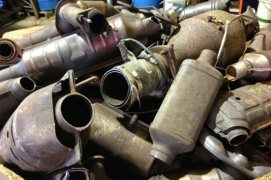 轿车三元催化器回收价格表-「三元催化剂的回收」