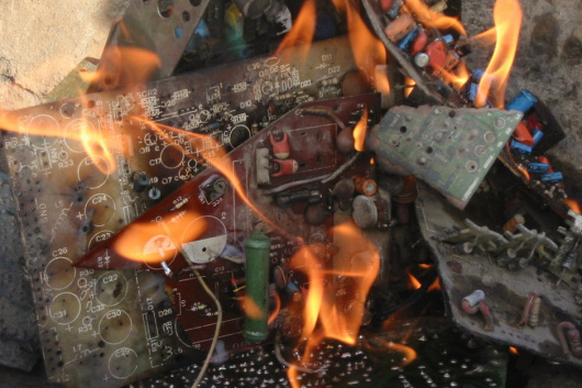福建通讯线路板回收-「福建通讯设备器材回收」
