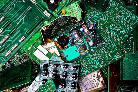线路板回收多少钱一吨-「电子料ic回收」
