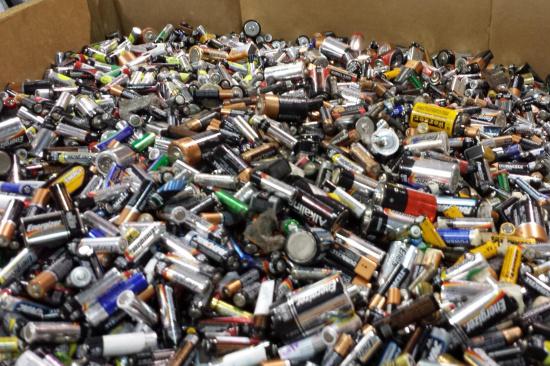 废电池的正确处理方法-「锂电池回收」