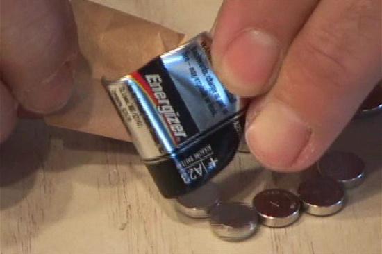 为什么纽扣电池那么贵呢-「专业废电池回收价格表」