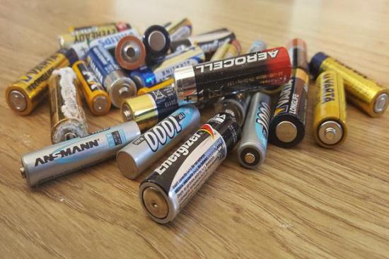 废旧5号电池回收一斤多少-「电池片回收」