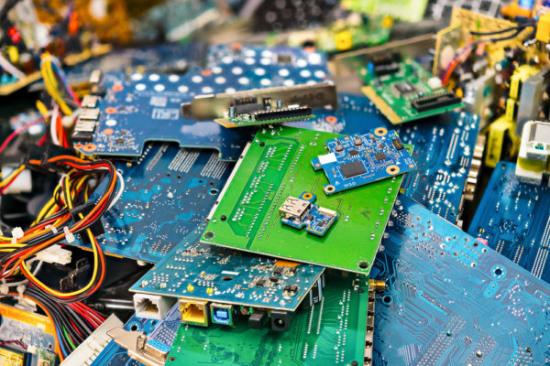 现在大量出售电子厂废料-「电子废料回收提炼」
